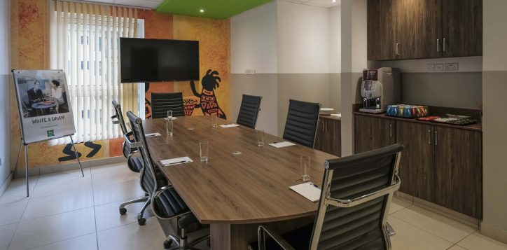 meeting-room-ibis-styles-hotel-nairobi-2-2